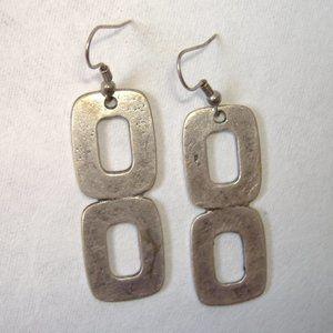 Figure 8 Earrings Unique Silver Metal